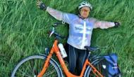 Juanita Luthan mengayuh 100 kilometer