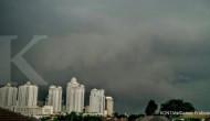 BMKG: Hujan guyur Jabodetabek mulai Senin siang