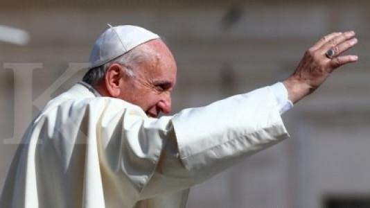 Di Chili, Paus Franciscus minta pengampunan untuk skandal seks